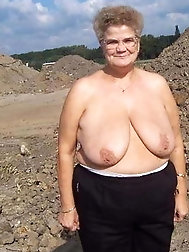 Mature and Grannys 0395
