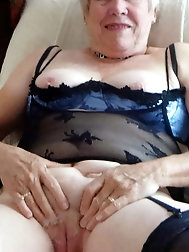 All-natural old housewife puts on sexy bra